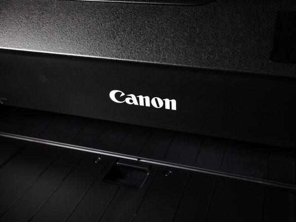 La practicidad de una impresora portátil Canon es algo de suma importancia y que la marca promete.  (Fuente: fuller: eTYW8D7NJas/ Unsplash)